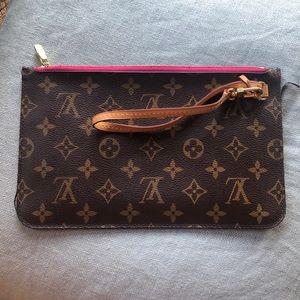 Authentic Louis Vuitton Brown leather Pochette